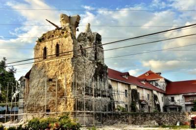 earth quake ruin